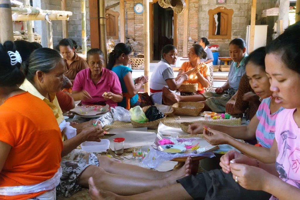 gotong royong, bali, social, volunteer, bali community, bali community system, women