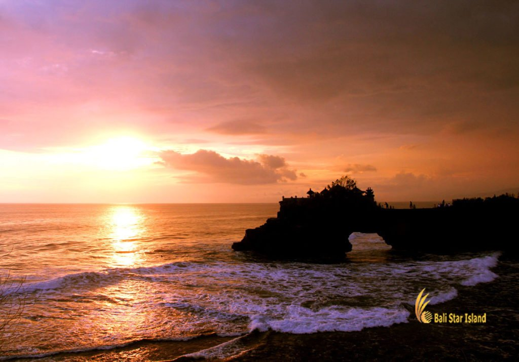 tour packages to Bali batu bolong sunset, tanah lot, bali, temple, rock, sea, tanah lot bali, tanah lot temple, bali temple on rock, places, places of interest