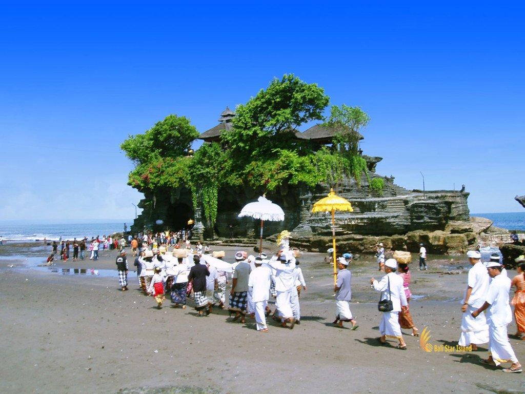 tanah lot, bali, temple, rock, sea, tanah lot bali, tanah lot temple, bali temple on rock, places, balinese, people