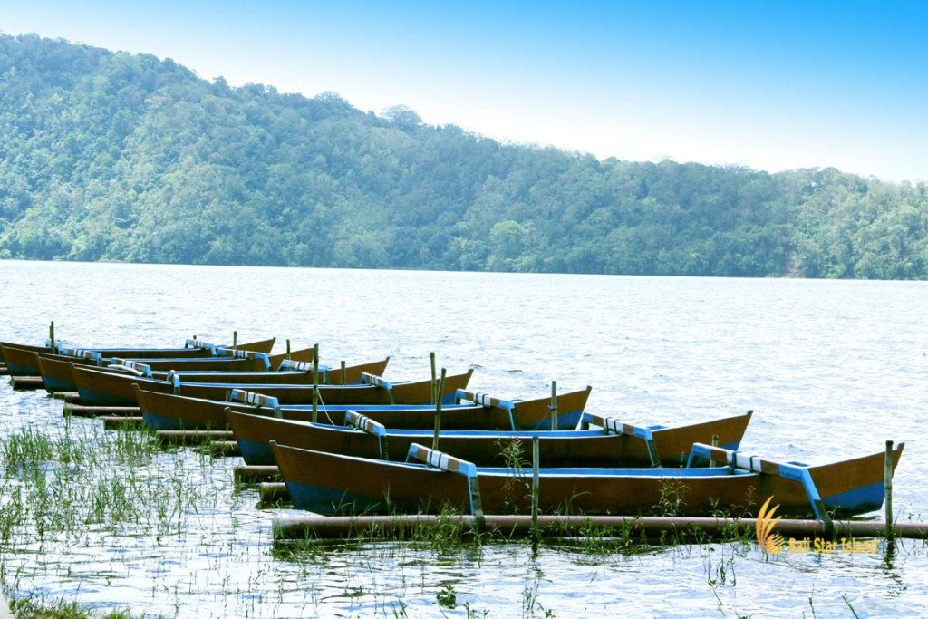 boats, ulun danu, bali, bedugul, beratan, temples, ulun danu temple, bedugul bali, places, places of interest, lakes, temple on lake, bali temple on lake