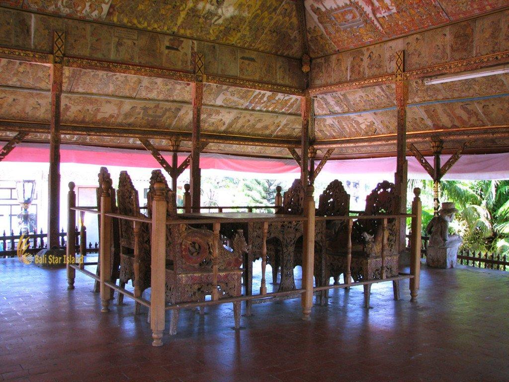 kerta gosa, klungkung, bali, klungkung bali, royal, court, bali royal court, places, places of interest, table