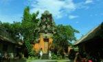 ubud, bali, palace, ubud palace, puri saren, legong dance, gianyar, place to visit
