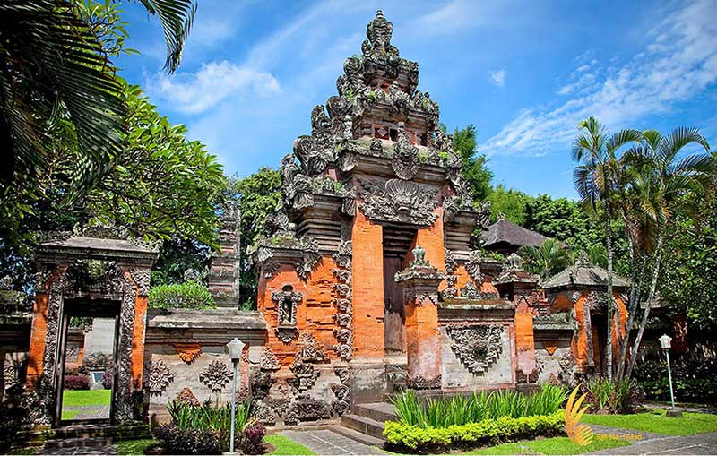 bali half day tours entrance, gateway, bali, museum, bali museum, denpasar, places, places to visit