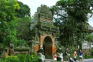 explore bali island to see tourist activities ubud, bali, palace, ubud palace, puri saren, tourists, destinations, tourist destinations