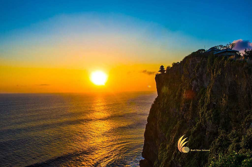 uluwatu tour kecak dance, uluwatu, bali, uluwatu tour, uluwatu sunset, places of interest, bali tourist activities, bali tour packages