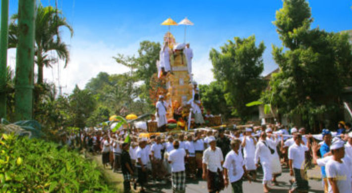 Bali Cremation Tour – Balinese Ngaben Ceremony