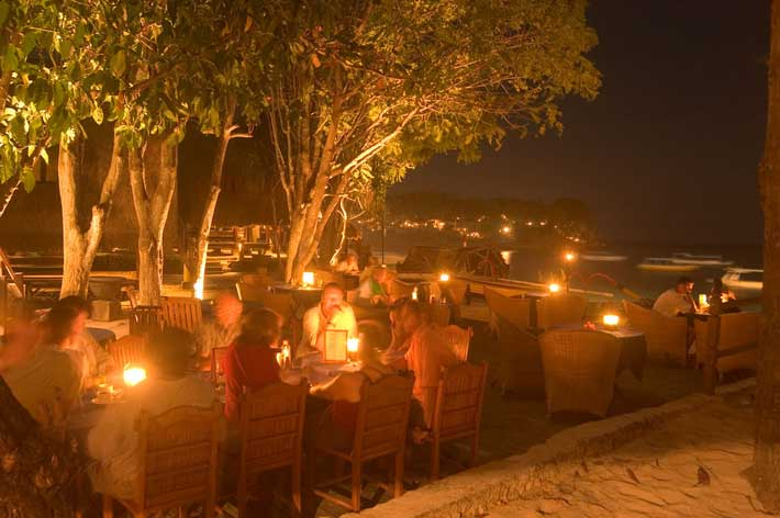 beach romantic lembongan