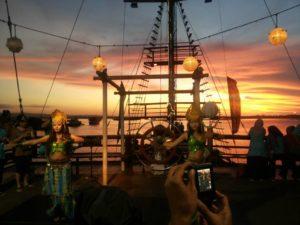 bali, pirate, sunset, cruises, dinner, sea safaris, pirate cruise, pirate dinner cruise, bali pirate dinner, sea safaris dinner, sexy dance