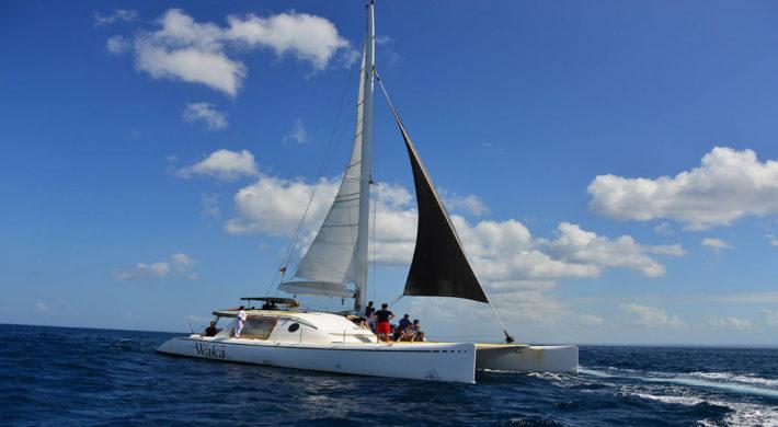 Waka Sailing Cruise – Bali Lembongan Day Cruises