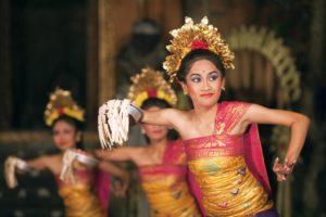 tari pendet, pendet dance, balinese dance, balinese dance dinner tour, bali tour packages