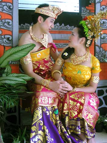balinese costume, bali costume, balinese costume photo, balinese costume photo tour