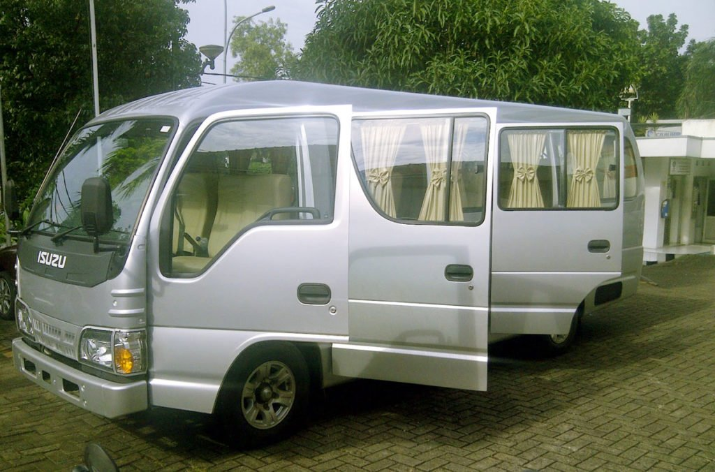 double door, isuzu, elf, free tours