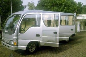 double door, isuzu, elf, isuzu elf, long chassis, bali, car, charter, services, bali car, bali car charter, car charter services