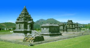 java tour packages, borobudur dieng tours, craters, dieng, plateau, central java, volcano, volcanic, complex, dieng plateau, dieng colorful lake, dieng hindu temples, dieng crater