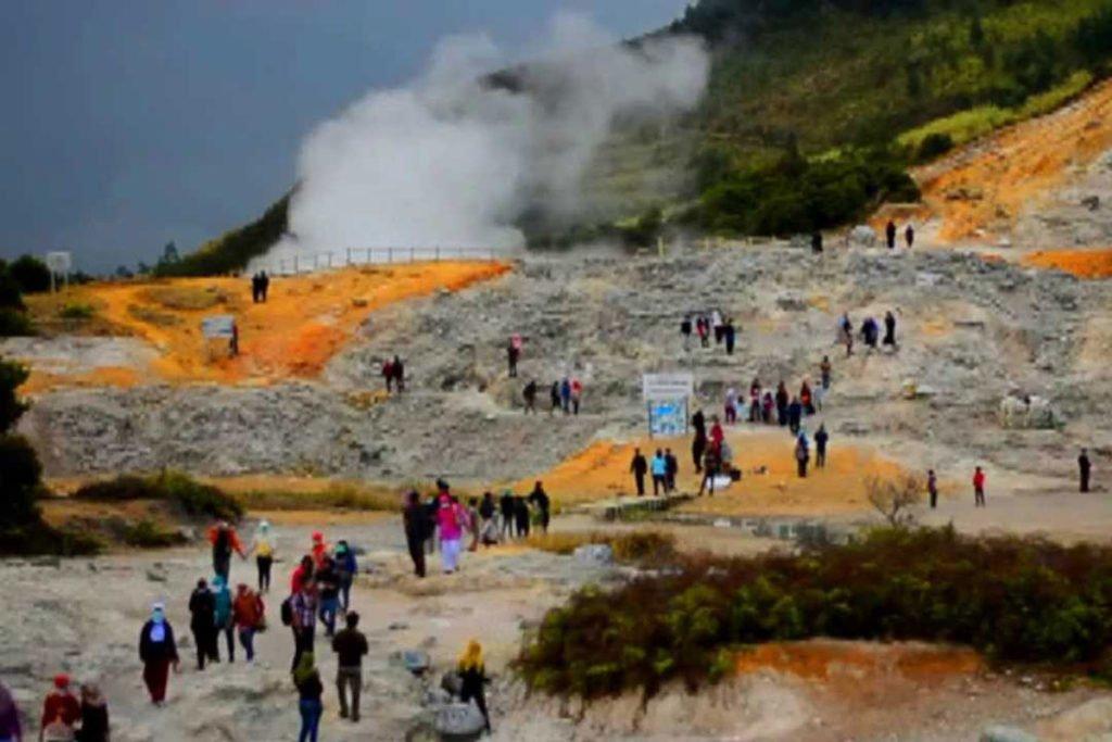 volcano crater,