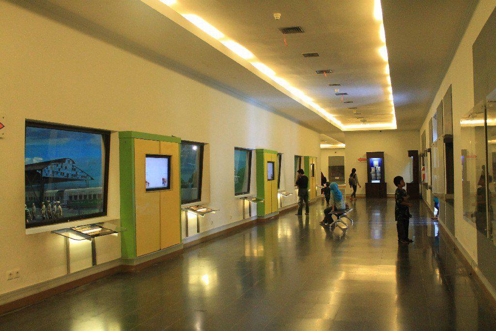 exhibition, fort, vredeburg, yogyakarta, museum, places, places of interest, benteng, fort vredeburg, Fort Vredeburg Museum, yogyakarta places of interest