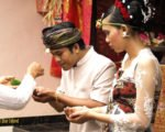 holy water, balinese, bali, wedding, ceremony, balinese wedding, balinese wedding ceremony,