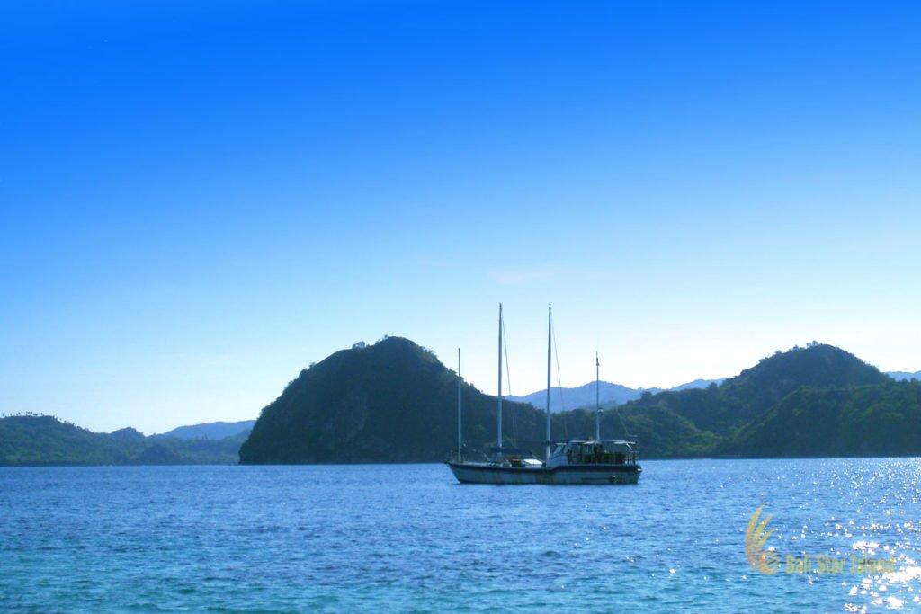 boat view, bidadari island, labuan bajo, bidadari island labuan bajo, komodo, national park, komodo national park