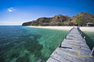 arrival jetty, wooden bridge, kawana island, labuan bajo, komodo national park