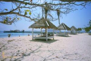 gazebo, beach gazebo, kawana island, labuan bajo, komodo national park