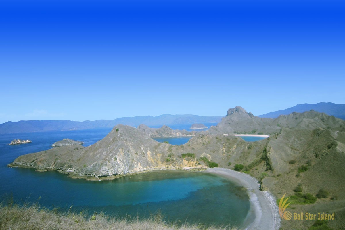 left beaches, dry season, padar island, komodo, padar island komodo, komodo national park