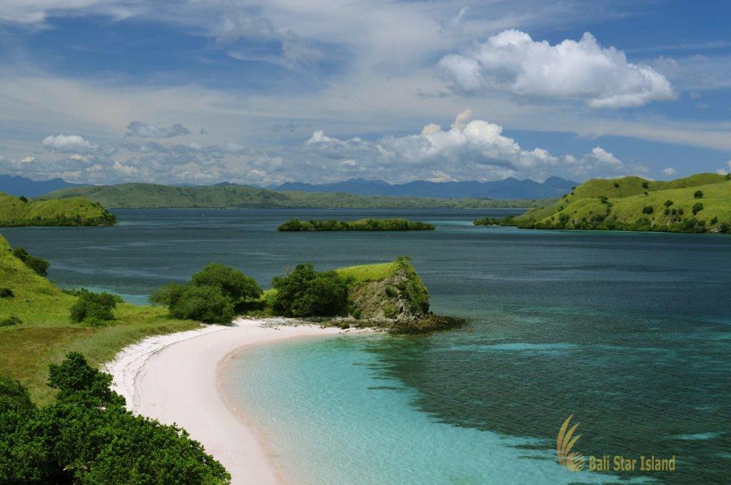 pantai merah, pink beach, komodo, pink beach komodo komodo tour 4 days