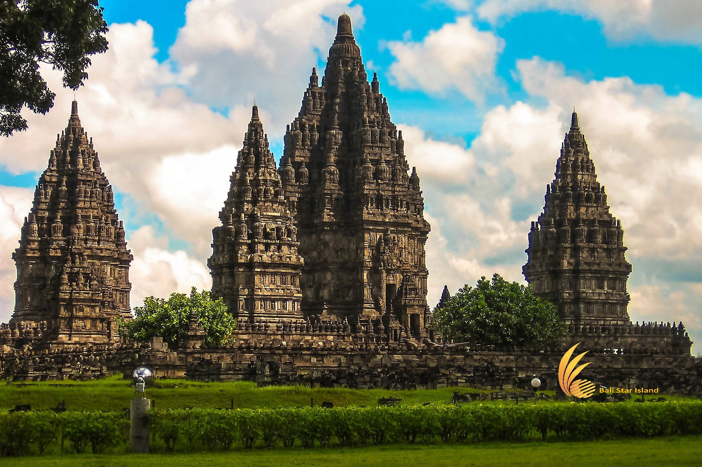 One Day Yogyakarta Borobudur Tours YOG-04 | Java Tour Packages