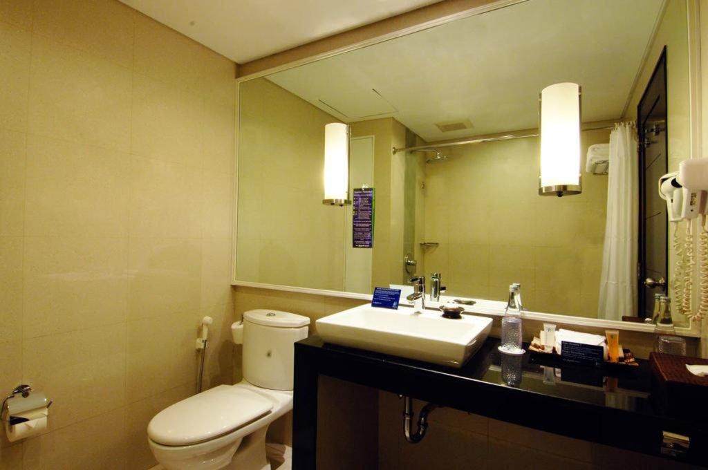 bali dynasty, bali dynasty resort, bali dynasty bathroom