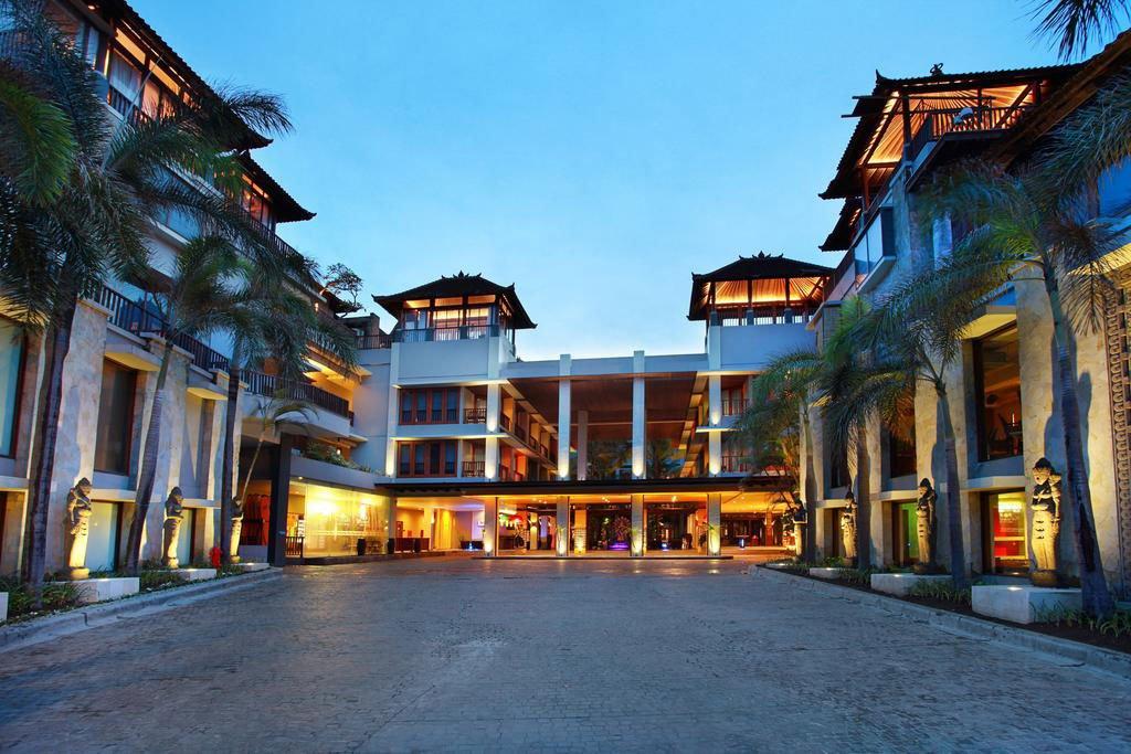 mercure kuta exterior, lobby access, mercure kuta, mercure kuta hotel