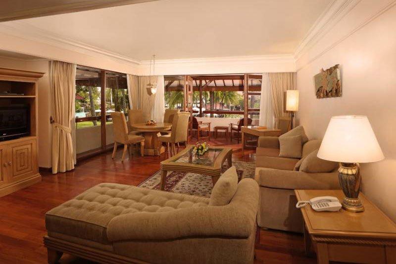 deluxe suite, living room, deluxe suite ramada, deluxe suite ramada bintang bali, ramada bintang bali