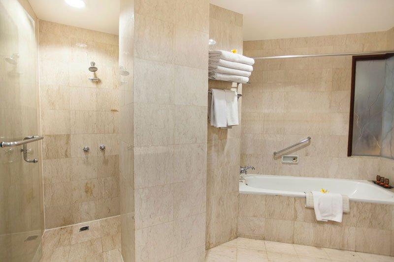 family bathroom, family bathroom ramayana, family ramayana resort, ramayana resort, ramayana kuta