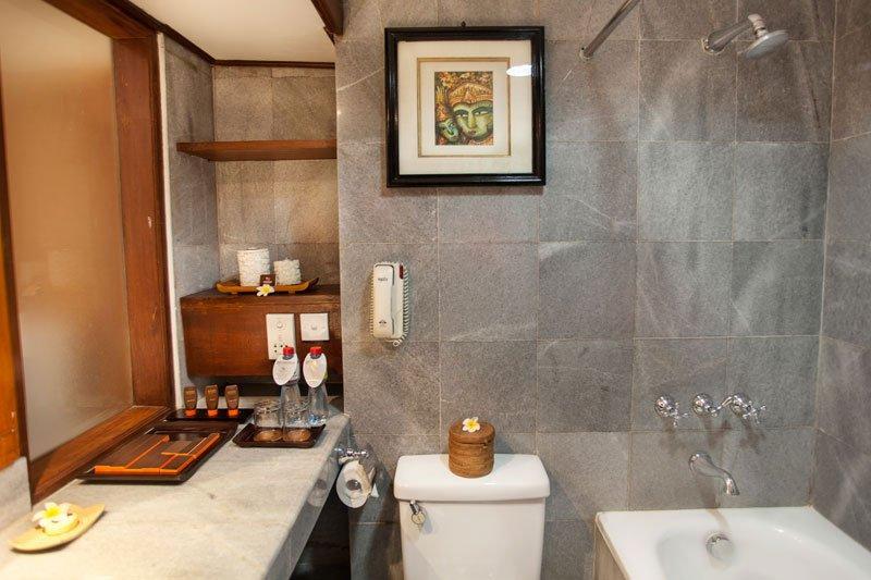superior bathroom, superior room ramayana, superior ramayana resort, ramayana resort, ramayana kuta