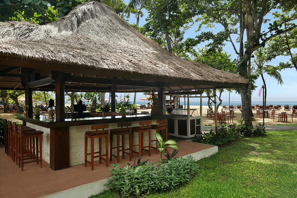 sanur hotel,mercure resort,mercure resort sanur,mercure resort breeze bar,bar