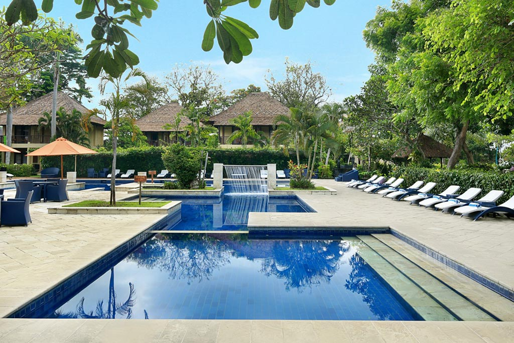 sanur hotel,mercure resort,mercure resort sanur,mercure sanur sahadewa pool,swimmping pool