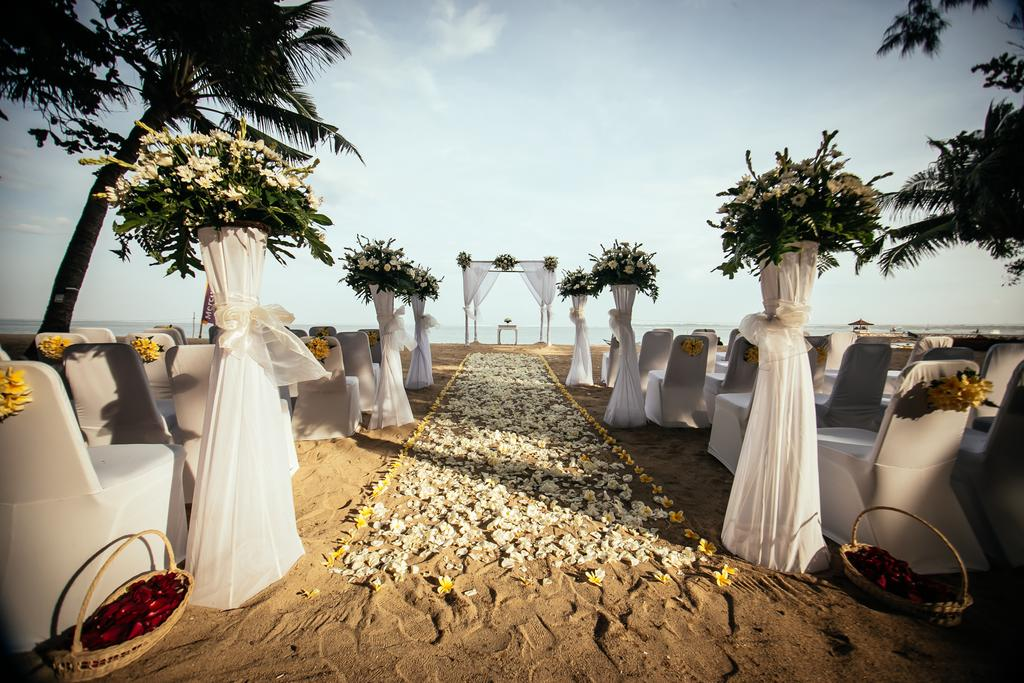 sanur hotel,mercure resort,mercure resort sanur,mercure wedding venue,wedding venue