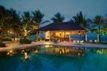 bali khama beach resort, bali khama, tanjung benoa resort, beach resort bali, poolside bar, bali khama poolside bar