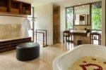 komaneka,komaneka bisma,komaneka bisma residence, komaneka bathroom pool villa
