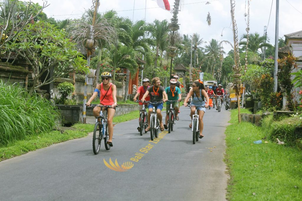 fun game and activities cycling treasure hunt, cycling, bali, bali team buildings