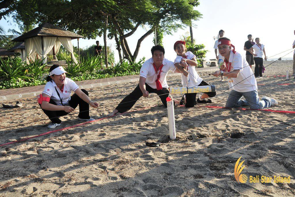 toxic waste game, toxic waste, beach team building, team building, bali beach team building