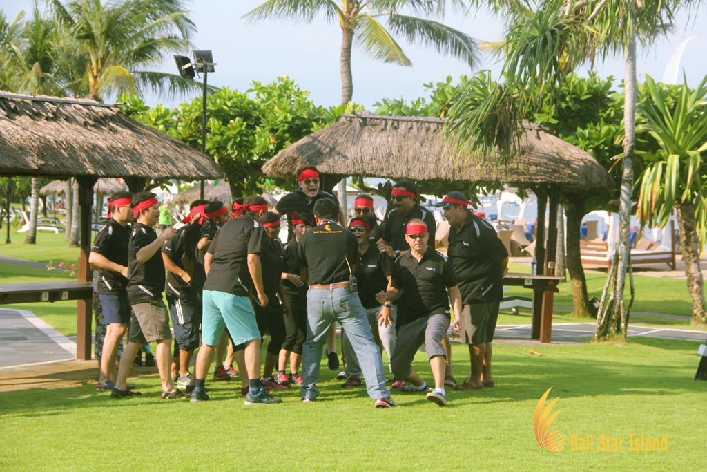 grouping session, cheers, team building, garden team building, bali garden team building