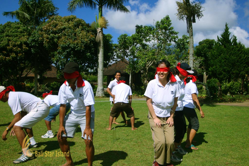 hole in one, hole in one game, garden team building, team building, bali garden team building