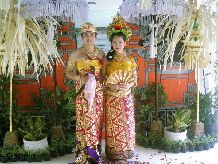 bali traditional dresses balinese wedding, balinese wedding dress, balinese wedding couple dress, balinese costume photo, tour
