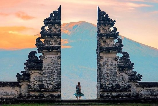 explore bali island to see tourist activities