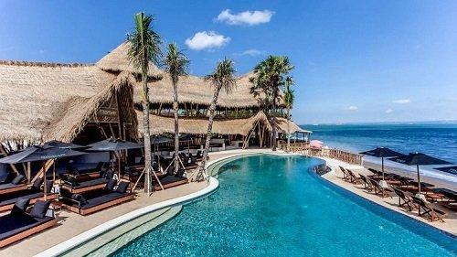 finns canggu bali, ocean view, beach entertaiment