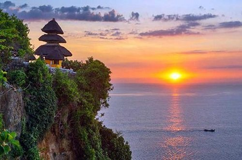 uluwatu temple bali, sunset temple bali, exotic temples bali