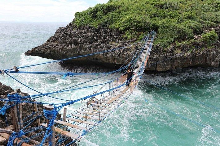 kalong island, adventure yogyakarta