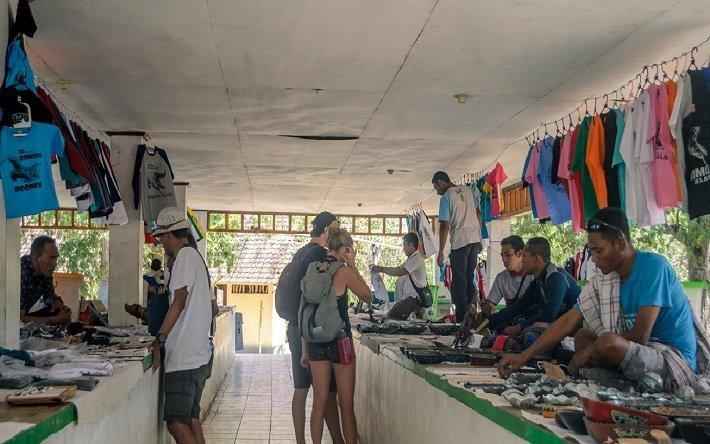 souvenir shop, komodo island