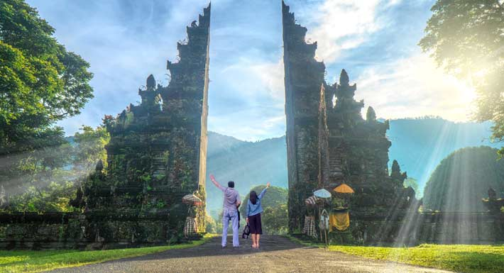 Iconic Bali Gate Tour