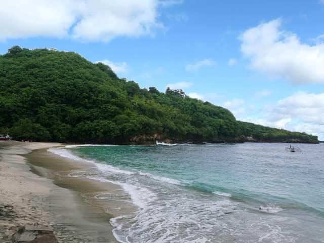 crystal bay beach, nusa penida bali